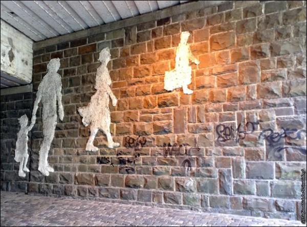 Дюссельдорф, пастораль на стене. Цемент 1987 год.