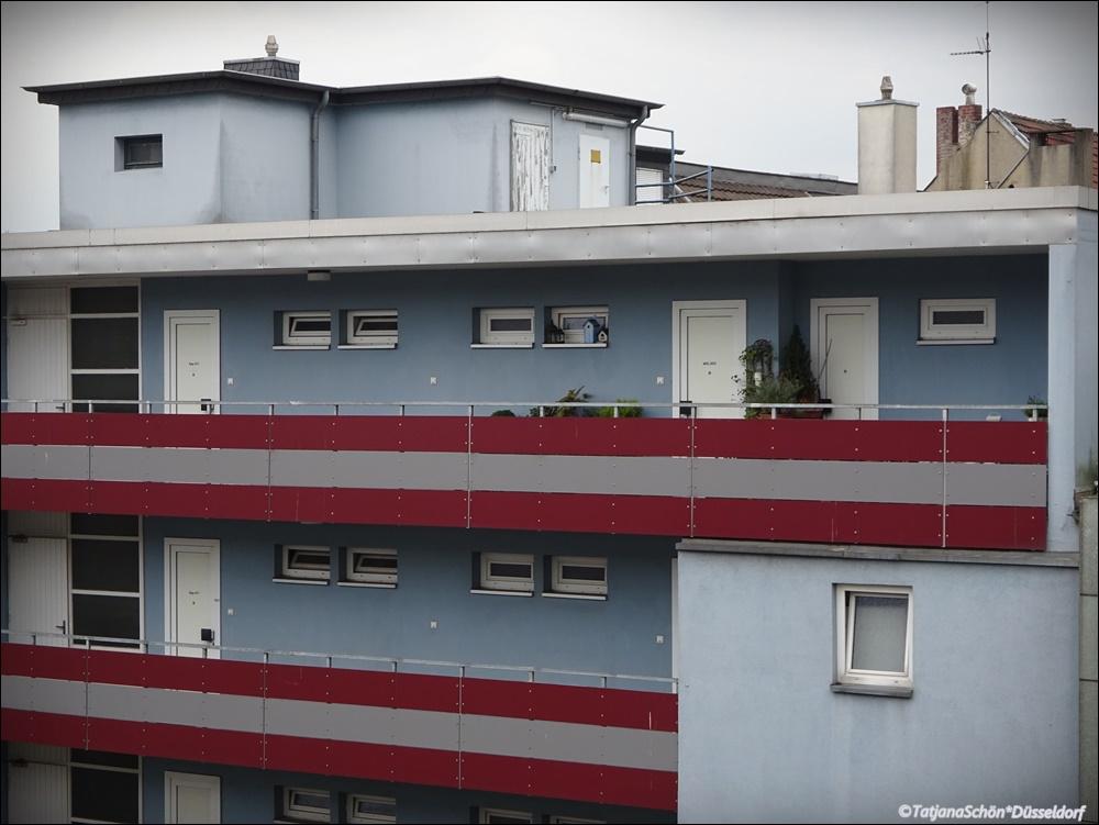 Балкон-этажный вход