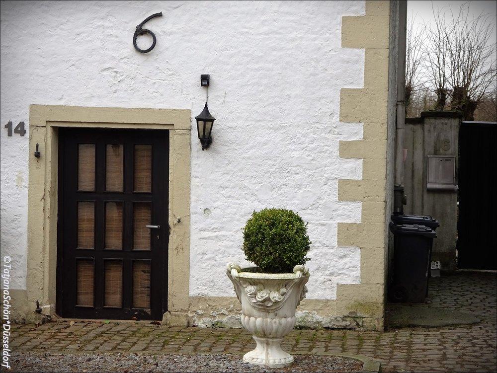 """Квартирная дверь замка """"Хаус Дюссель""""в Дюсселе (не в Дюссельдорфе!)"""