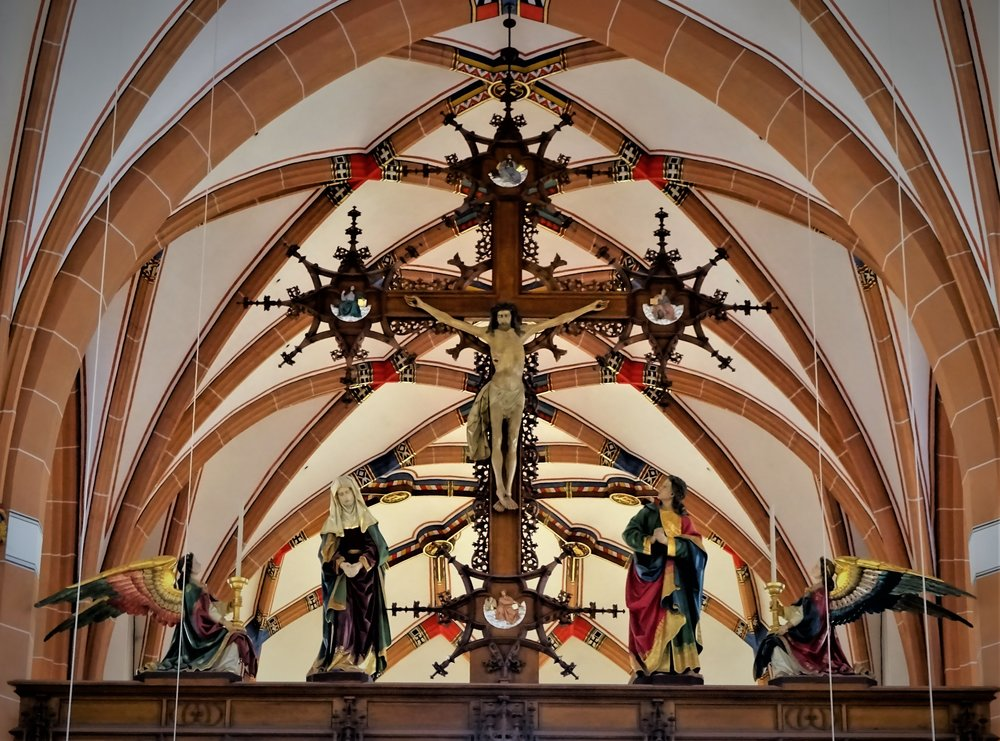 Фотографии из одной католической церкви в Дюссельдорфе покажу в конце этой заметки