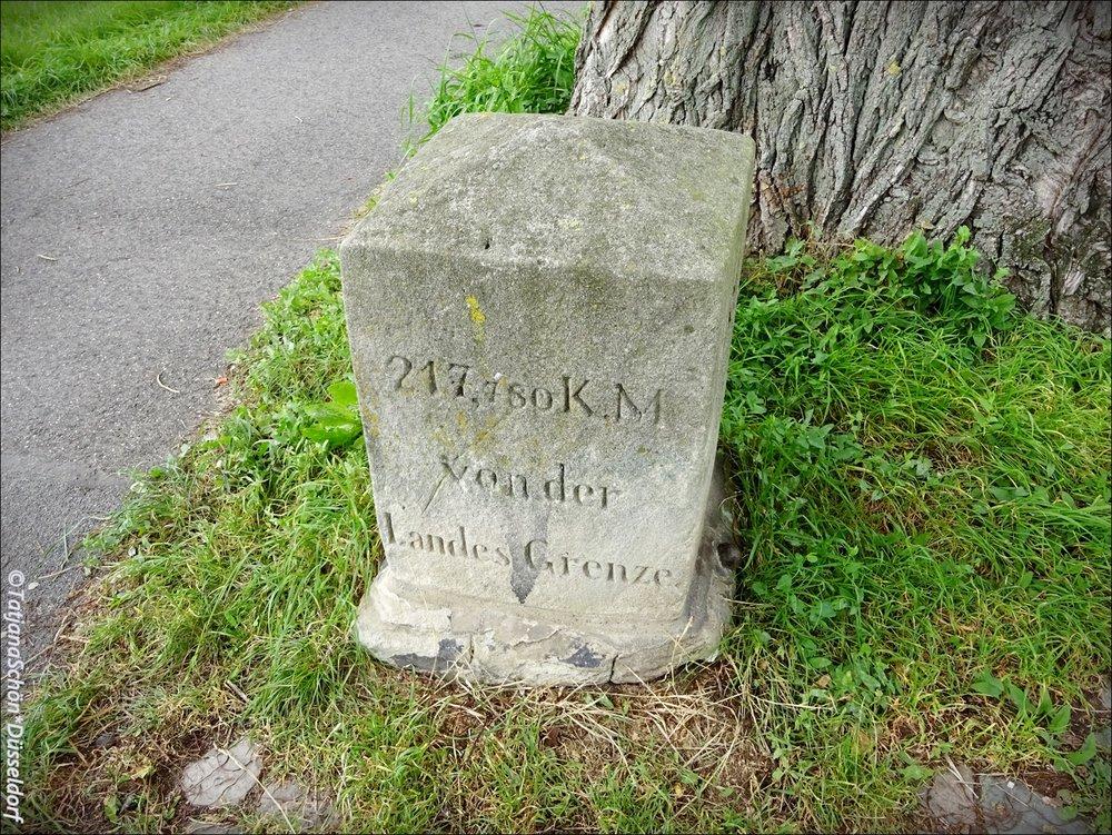 Камень на 58-ом мириаметре Рейна - дал повод заняться математикой :-)