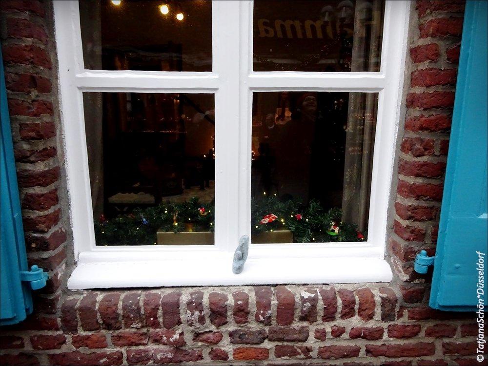 Окно нижнерейнского дома.
