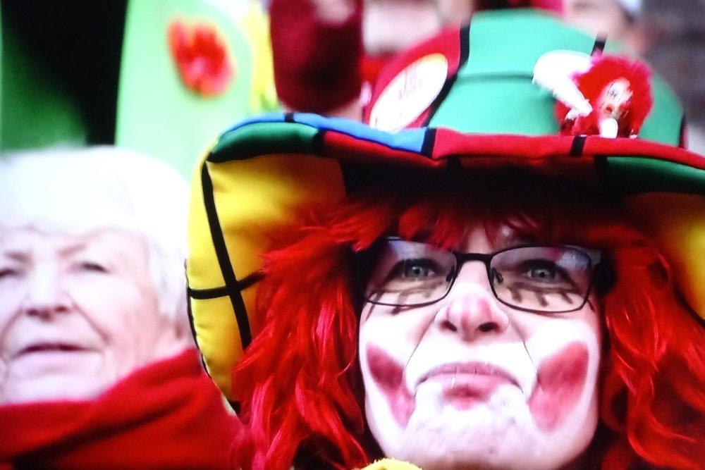 Карнавальный (неудержно-бешеный) понедельник транслируют центральные немецкие телеканалы.