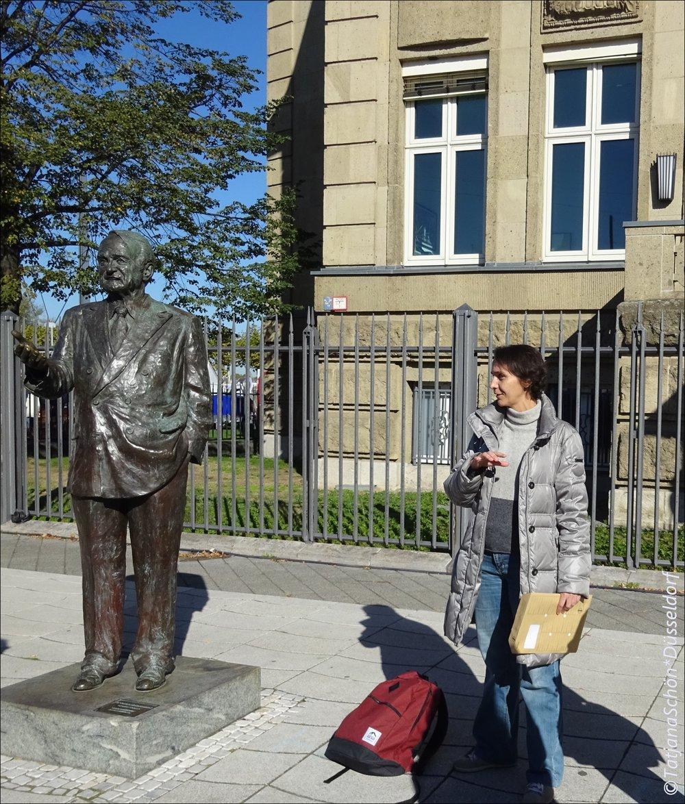 """Заручившись поддержкой Йоханнеса Рау (бывшего министр-президента этой земли и президента Германии), пошли на """"стройку века""""."""