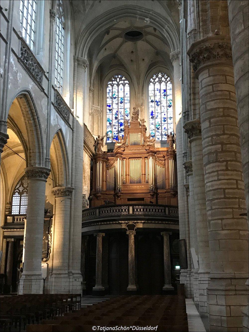 Сейчас в собор можно приходить в определённые часы как в музей.