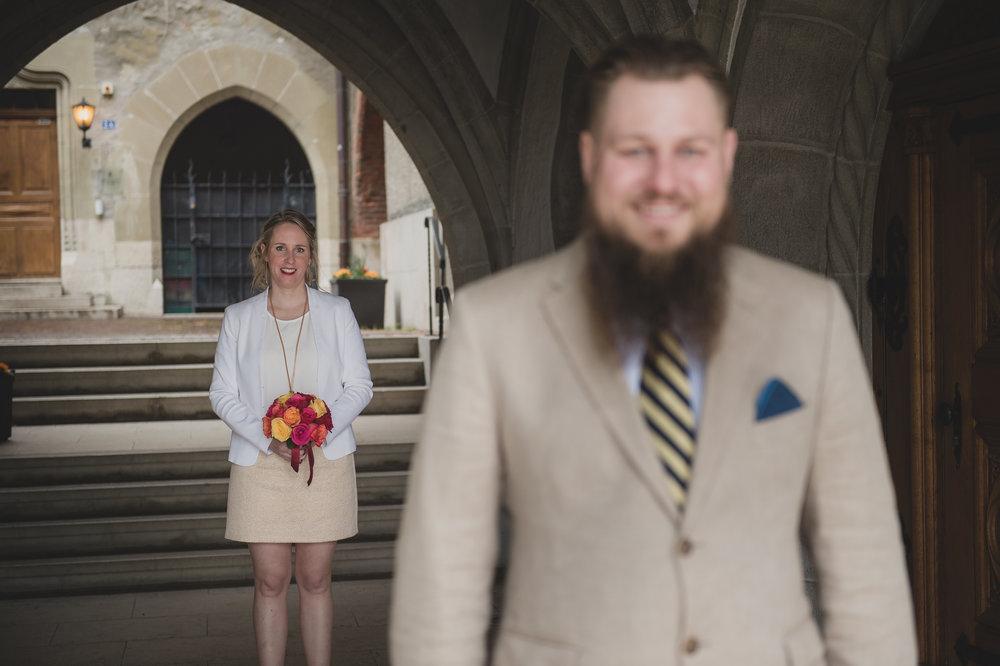 E&D - Un énorme merci à toi Sam pour les magnifiques photos que tu as faites pour notre mariage civil! Il y a l'émotion du moment qui se transmet dans tes clichés c'est juste incroyable, j'ai même eu une larme pour certaines photos j'avais l'impression de revivre ce moment. Et nous avons beaucoup apprécié notre rencontre