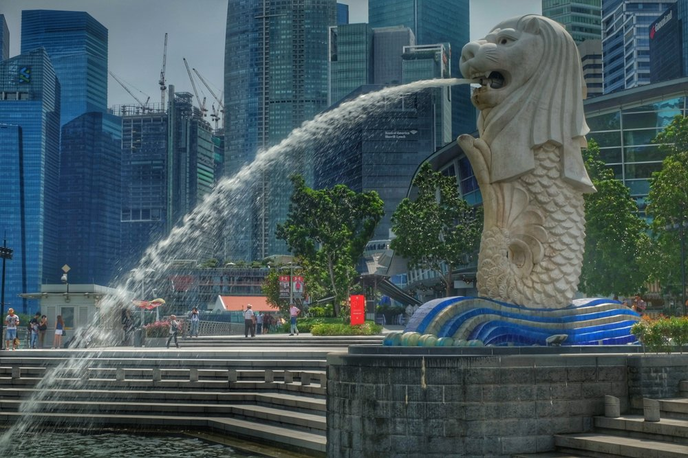 Merlion by Singapore river.