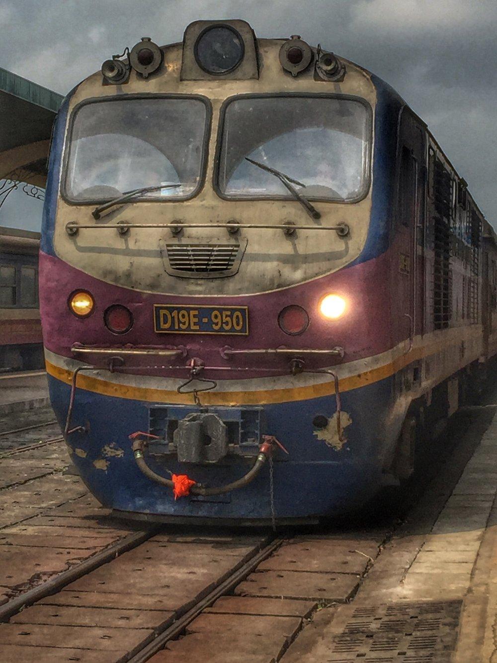 Train from Huế to Da Nang.