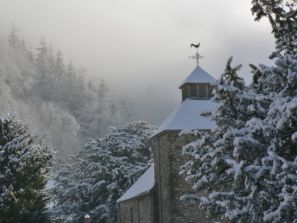 church snow 0110.jpg