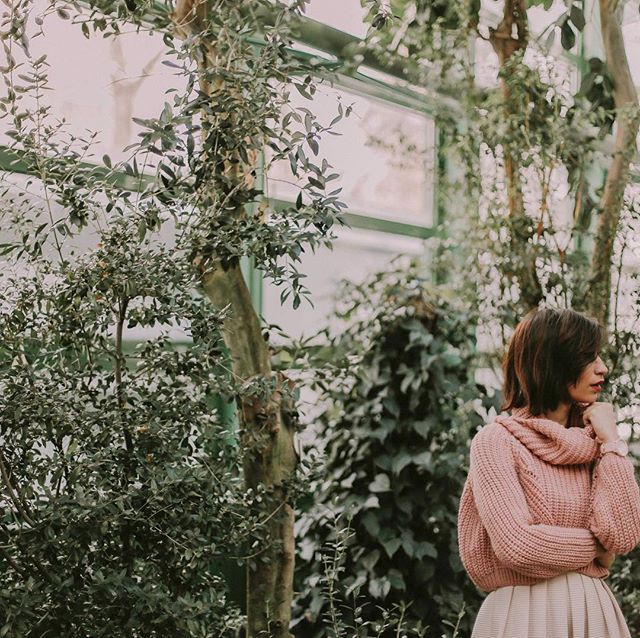 And just like that, autumn is already here 🍂 __________ #automne #fall #london #instamood #ootd #mood #abm #abmlifeisbeautiful #darling #thatsdarling #darlingweekend #pinkmood #pursuepretty #nothingisordinary #girly #fashion #lifestyle #frenchgirl #ladystyle #thehappynow #DarlingDaily