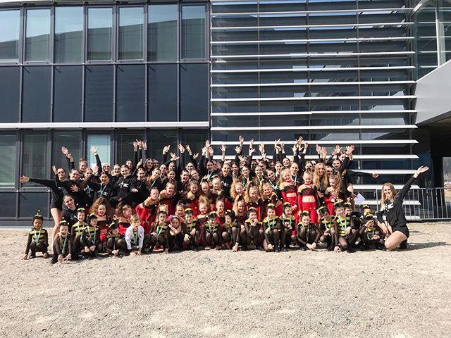 Tak jsme dnes zahájili soutěžní sezónu, a bylo to naprosto skvělý! 🙌🏻 Jsme na všechny naše tanečníky moc pyšní. ❤️ Děkujeme všem tanečníkům za jejich krásné výkony, trenérům za jejich trpělivost do poslední chvíle a rodičům za obrovskou podporu! 💪🏻 Už teď se nemůžeme dočkat další soutěže! 😘 #wdafamily @czech_dance_masters