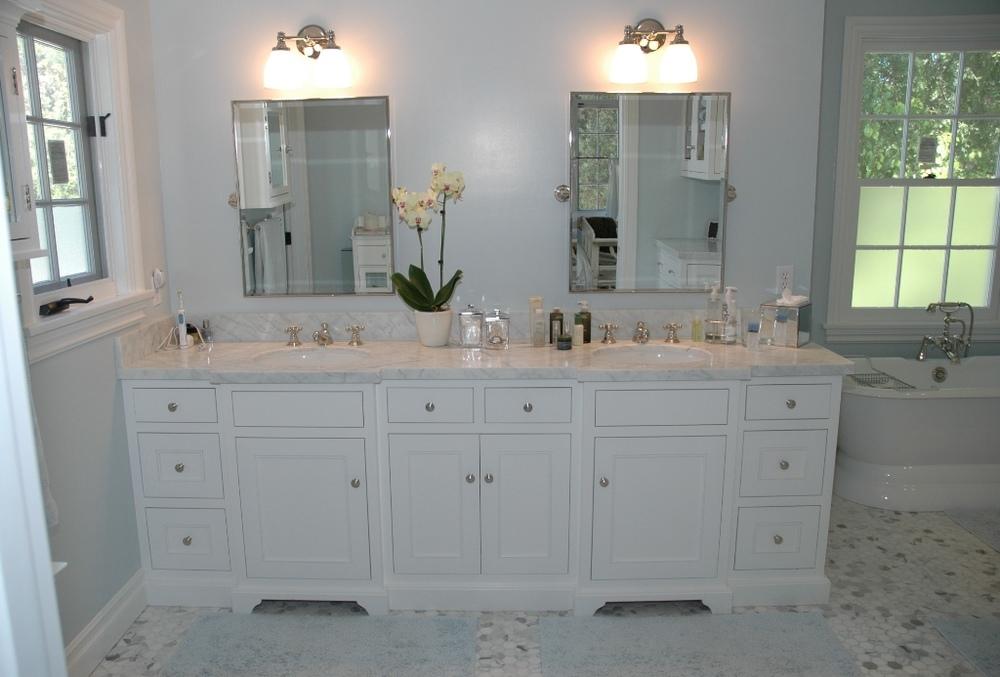 m bath vanity 1.JPG