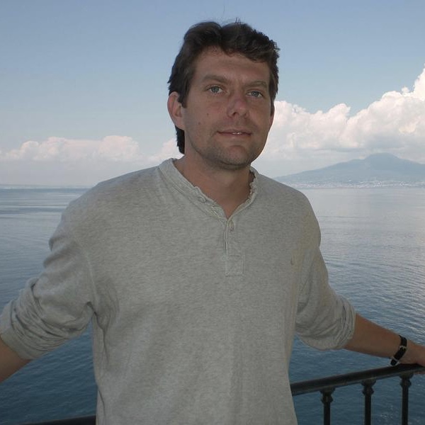 Dr Alan Jamieson Team Advisor Senior Lecturer in Marine Ecology Newcastle University, UK http://www.ncl.ac.uk/marine/staff/profile/alanjamieson.html#publications