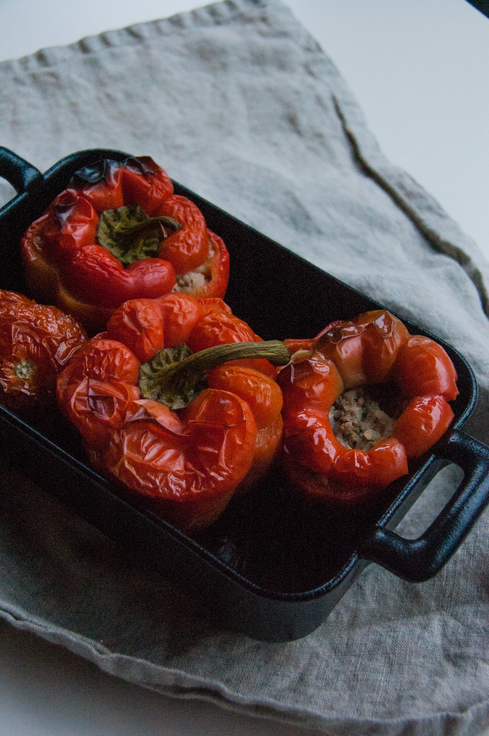 This version of stuffed capsicum is healthy, hearty, and is filled with a flavourful mix of rice and minced lamb. The oven based recipe can also be steamed.