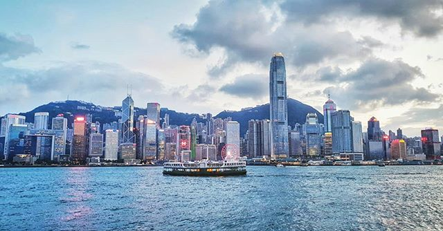 My work trip to Hong Kong recently was short and sweet. Thanks to @kljliu, I got to experience the city better than I ever could have on my own. I always seem to be drawn towards cities with a skyline, and this view into the Hong Kong Island from Kowloon was breathtaking! . . . . . . . . . . . . . #nationaldestinations  #destinationearth #awesomepix#earthawesome #fantastic_earth #thebeautifultravels #earthlandscape#awesome_photographers #awesomeglobe#worldcaptures #beautifuldestinations #passionpassport #worldplaces #architecture  #relax #skyline #asia #hongkong #view #island #chill