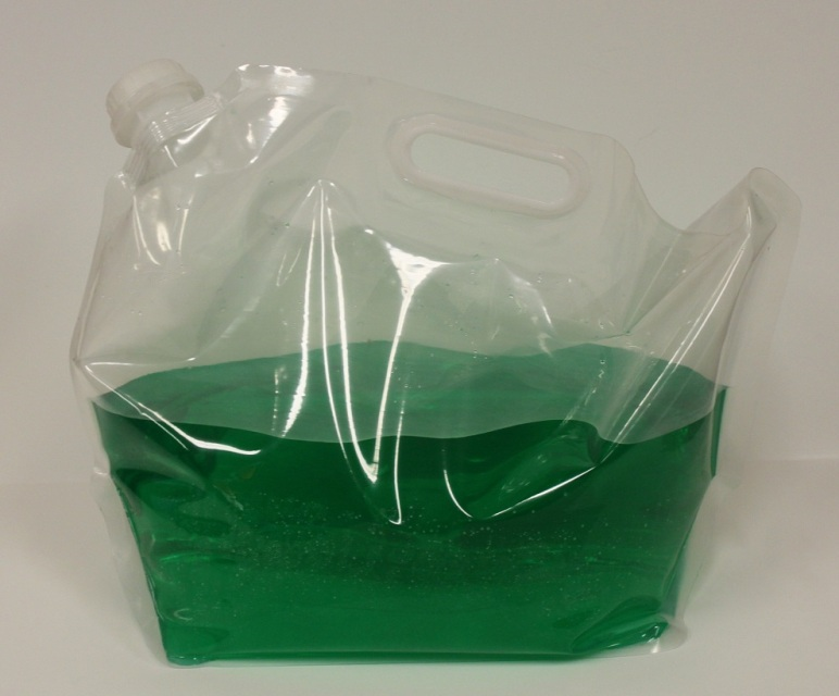 Liquid spout bag with handle