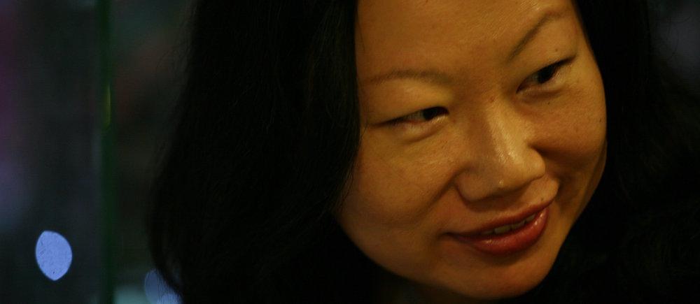與談講者   賀照緹 導演   紀錄片製作人及導演,多年來她的作品題材多為全球衝擊以及當代文化等多元議題,作品包括《縣道184之東》、《蟑螂X檔案》、《穿在中途島》、《我愛高跟鞋》、《台灣黑狗兄》、《太陽,不遠》等。