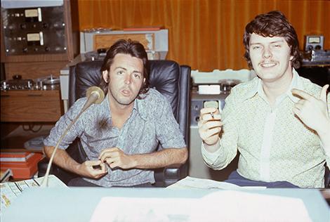 Paul McCartney with Eirik Wangberg during the Ram recording sessions, 1971. Photo by Linda McCartney, courtesy of Eirik Wangberg.