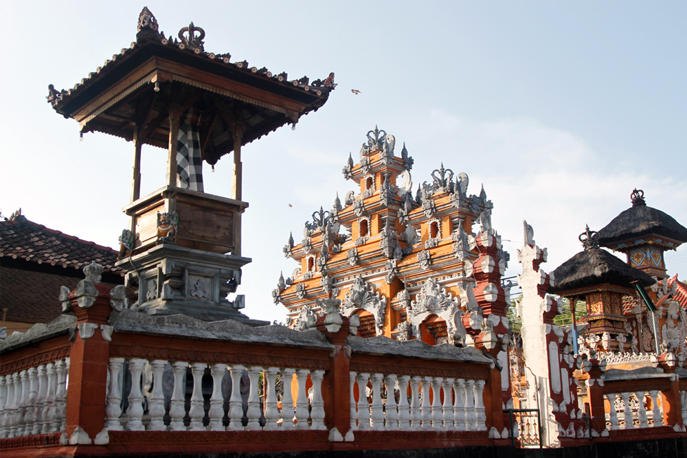 Nusa-Lembongan-Temple.jpg