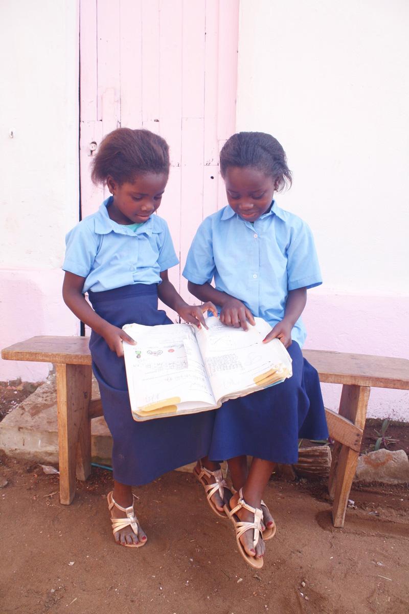 kurandza-girls-and-school-small-12.jpg