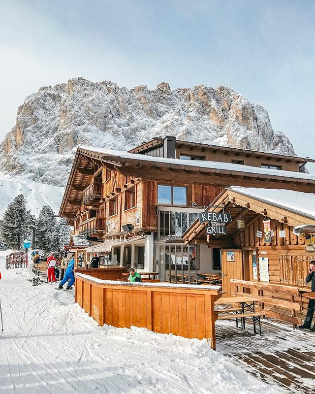 Good morning everyone from South Tyrol ☀️🎿 I am super exited to ski here another day ⛷ #day5  #visitsouthtyrol #südtirol #dolomites ~ ~ ~ ~ ~ #visualsoflife #gooutside #peoplescreative @modernoutdoors @earthofficial #exploretocreate #keepitwild #natureaddict #wildernessculture #vscofilm #artofvisuals #lifeunscripted #liveoutdoors #ourplanetdaily #neverstopexploring #doyoutravel #welivetoexplore #nakedplanet #thetrickytree #earthpixs #agameoftones #findyouradventure #moodygrams