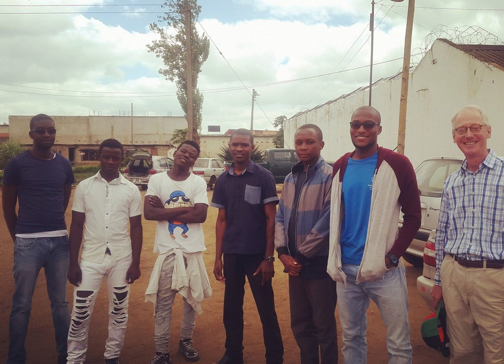 Chris Jones joining our volunteer team for Saturday Visits at Kamwala Remand Correctional Facility. The day's activities included a quiz tournament with three rounds of questions that covered the topics of Geography, Zambia Facts, and Sports.