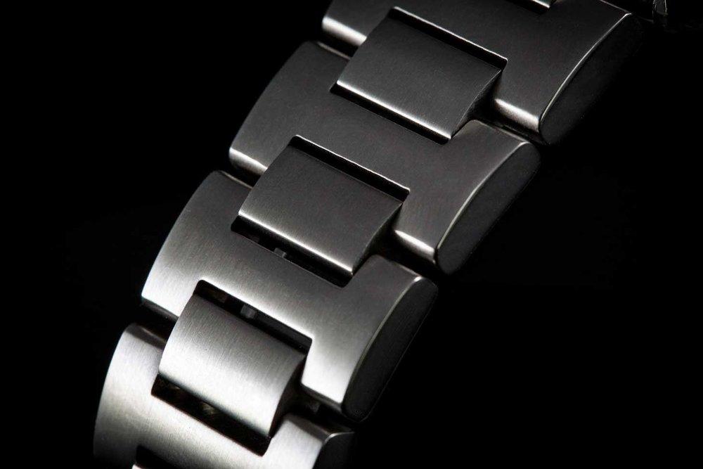 The Nodus H-link bracelet is comfortable but not dainty.