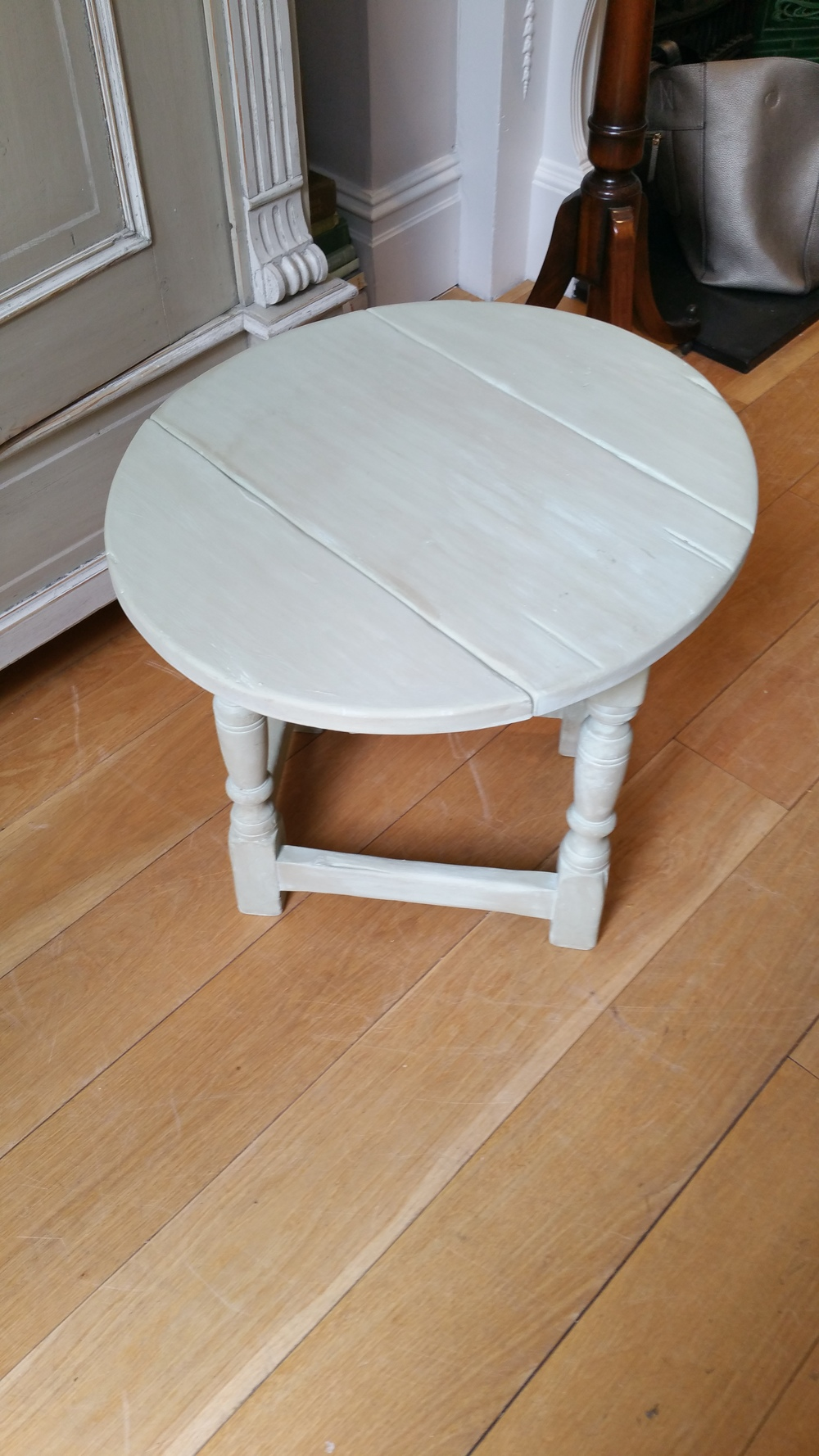 Small table - finished.jpg