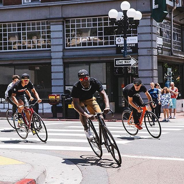 【Cycling / Road biking】 Cool Group Riding in the city! We wanna do it, too! ・・・ この街乗りグループライド、いい感じにクール!  #Repost @leaderbikeusa with @repostapp ・・・ Ride into the weekend! . . . #leaderbikes #leaderbikeusa #leaderbike #fixie #fixedgear #trackbike  #bonx #action #wireless #headset #bluetoothheadset #outdoor #outdoorsports #grouptalk #talk #technology #extremesports #xgame #snowboarding #fishing #roadbike #kayaking #sap #skiing #cycling #bicycle #redbull #gopro #groupride