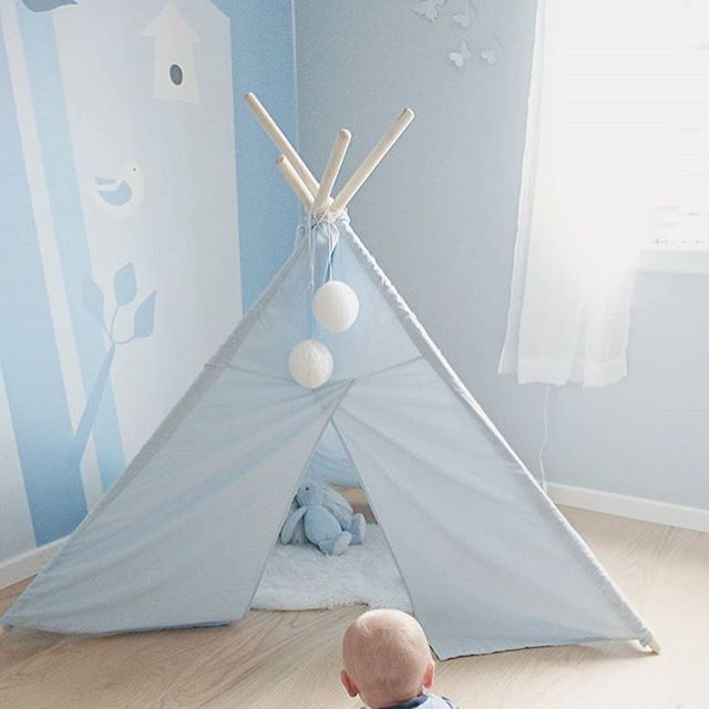 Double tap if you have a tipi tent in your home 🙋🏼. I adore this blue nursery with my first wall mural design Bird forest blue #snedesign for @photowall_sweden. Link in bio👆🏻. Credit @charlottesandal. #scandinavianstyle #scandinaviandesign #norwegiandesign #tapet #wallmural #designer #kidsroom#nursery#kinderzimmer#chambreenfant #chambrebebe #barnerom #barnrum #børneværelse