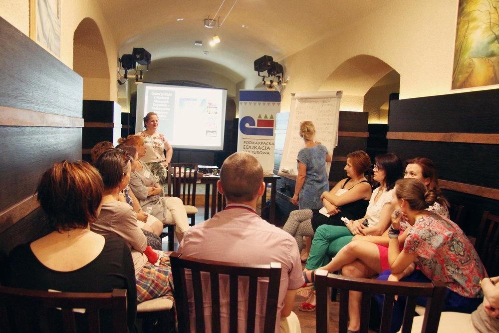 """Warsztat """"Społeczności lokalne - jak pobudzać do działania?"""", prowadząca: Edyta Salnikow, Centrum Kulturalne w Przemyślu, 29 czerwca"""