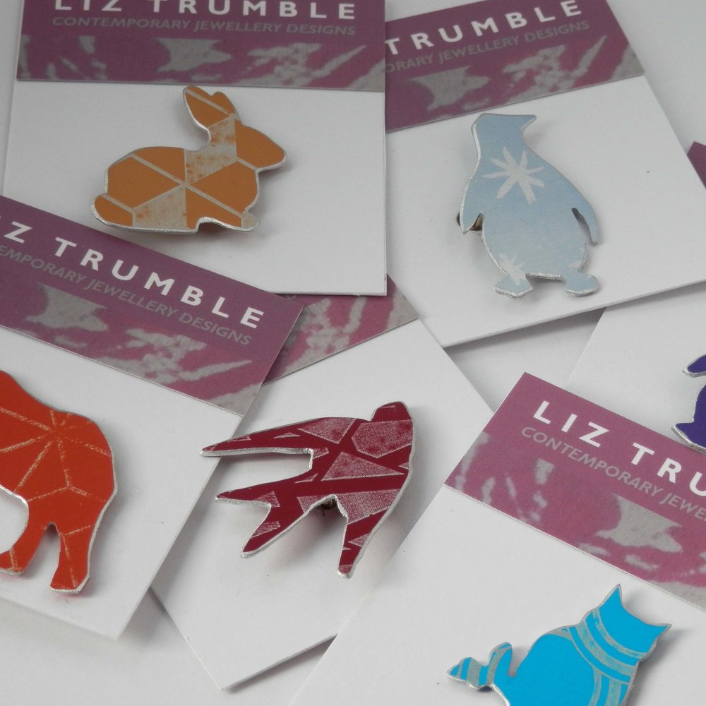 Liztrumble Brooches1.jpg