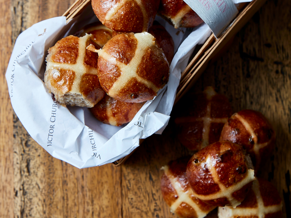 Hot cross buns on wood.png