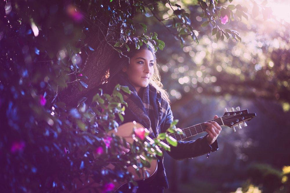 pari-wedding-guitarist-vocalist