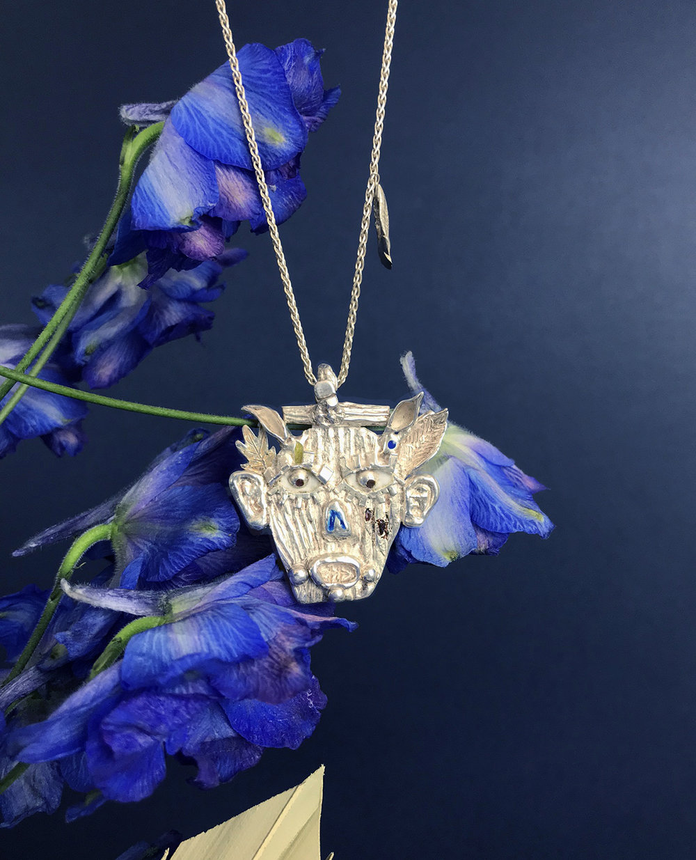 Sylvaleo pendant