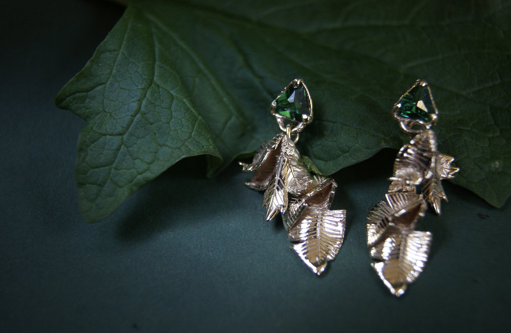 gold leaves earrings