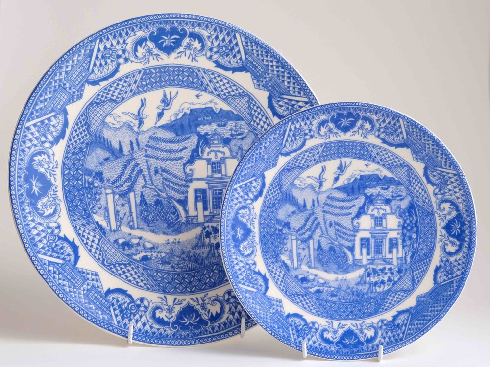 The Cape Willow Pattern, Dinner and Side Plates.
