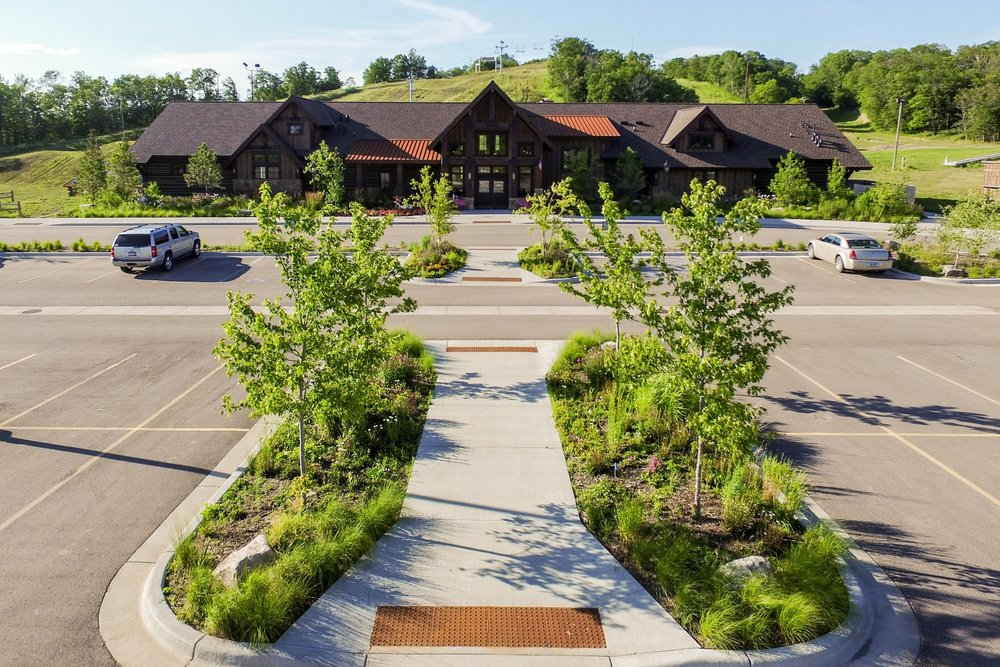 The entire parking lot was designed to keep a natural environment look.