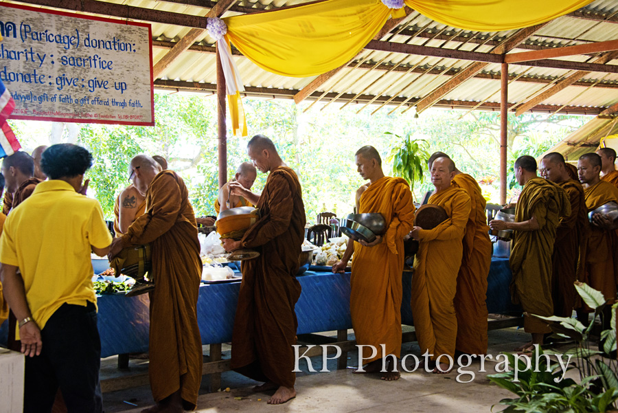 monks getting food