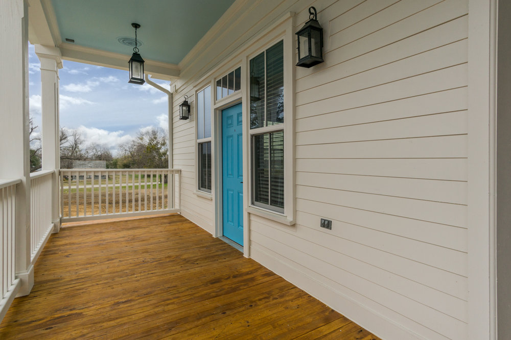 15 front porch.jpg