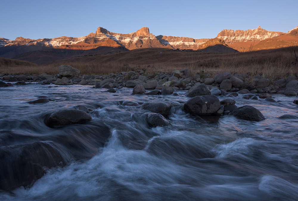 Sunrise from the Thonyalana River looking towards the Saddle, Rockeries and Mponjwane to the right.