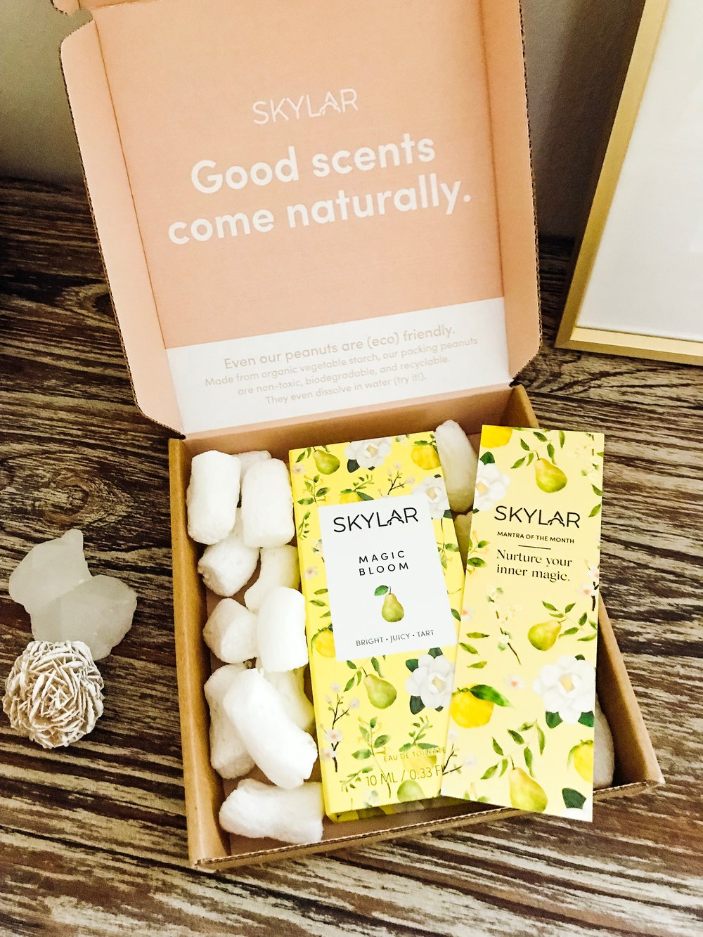 Everything that comes to you is in eco-friendly packaging (something I love!), including their packing peanuts!  Use code: SWIFTRUNNING10 for 10% off any Skylar products, including the Scent Club!