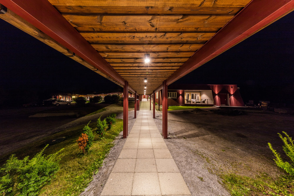 Uteområdet begynner å bli skikkelig stilig! Her med sammenbygginga mellom hotellet og nyfløya.