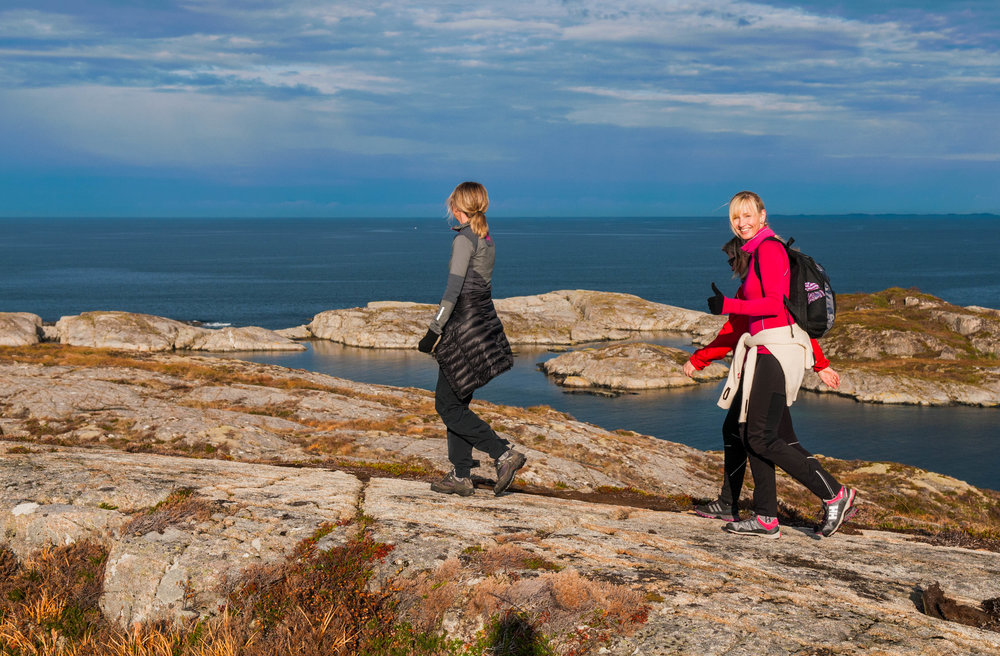 Ulvøystien på Ulvøya. Fin og familievennlig tur med mange fine rasteplasser. Foto Stian Vatn