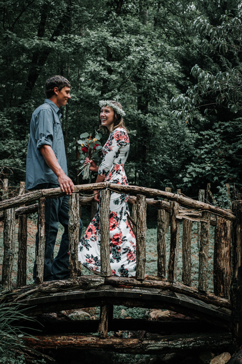 ideas-for-engagement-photos-what-to-wear.jpg