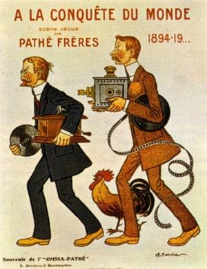 Vraag je je net als ik af waarom Pathé een haan in het logo voert? Het bedrijf Pathé blijkt al heel oud te zijn. Vier broers Pathé hadden ruim een eeuw geleden een handel in fonografen (voorloper van de grammofoon); de haan is sindsdien van de partij.