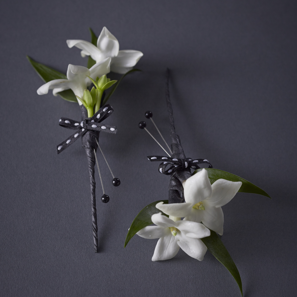 Timeless Ivory | Elegant stephanotis boutonnières