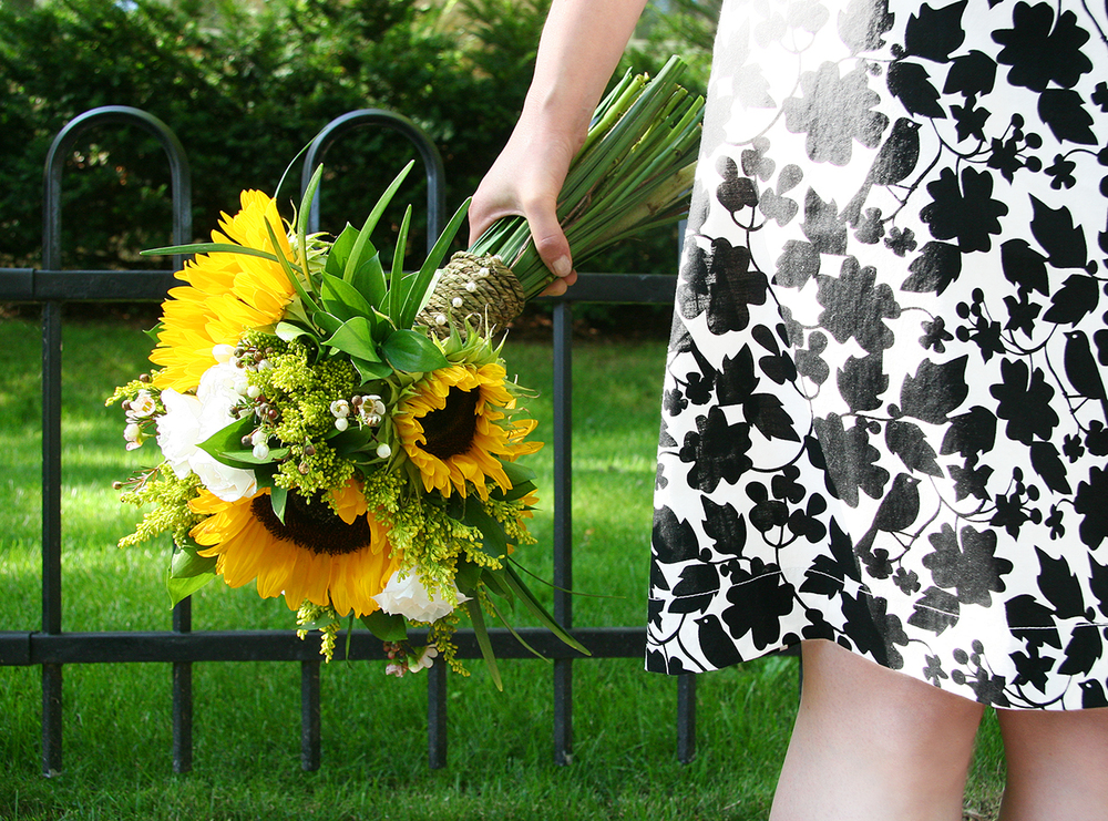 Summer Sunshine | Rustic sunflower bouquet |Photo: Natalia Dolan