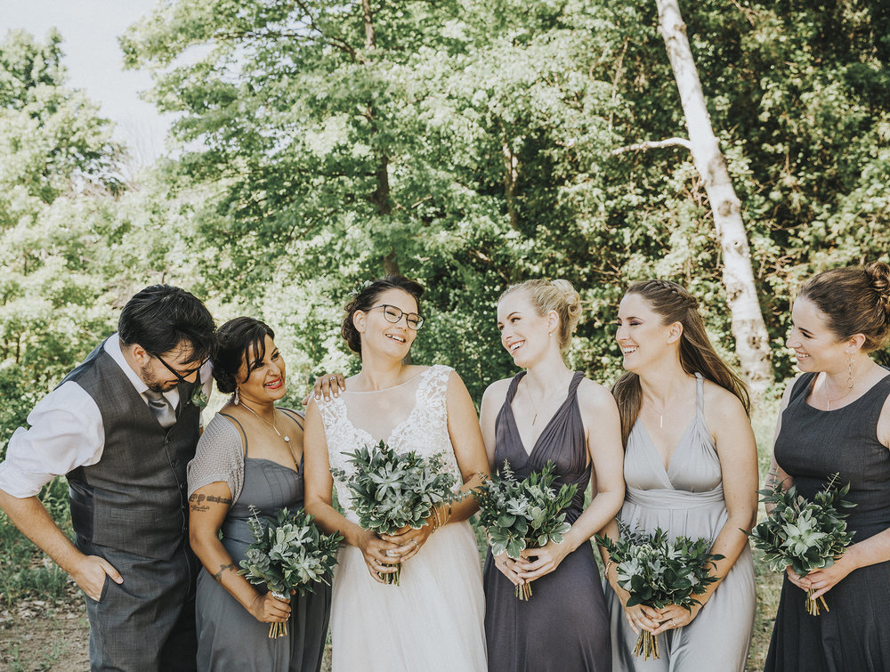 Amanda + Sterling | Green goddess | Photo: Alyssa Wodabek