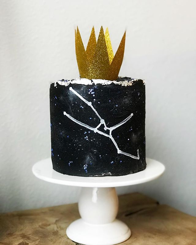 Mercury may not be in retrograde but beware - its Taurus season 🔮and we're celebrating with a cake ft the ♉️ constellation ⭐️